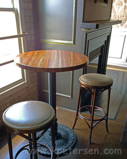 Merveilleux Ornate Round Cast Iron Bar Table Base Installation ...